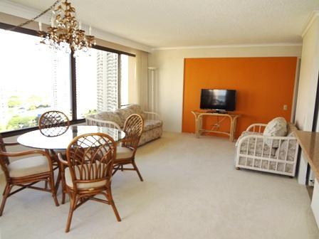 large livingroom - Spacious 2BR/2BA oceanview waikiki apt - Honolulu - rentals