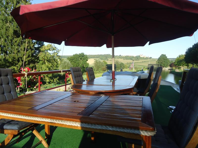 Wine&Water: spacious sun deck, exact mooring spot - FAMILY FRIENDLY BOAT CHARTERS ON BURGUNDY CANAL - Dijon - rentals