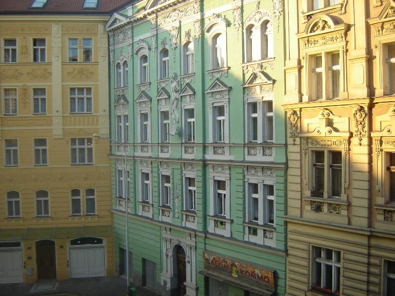 Rehorova street view from flat - Sunny flat 15 minutes walk from historic centre - Prague - rentals