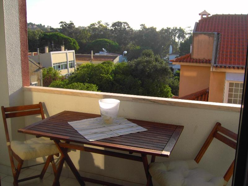 Balcony - Perfect spot for seeing Lisbon and enjoy its coast - Oeiras - rentals