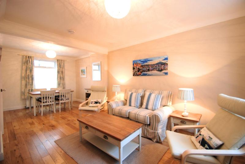 Sea Haven Cottage in Historic Conwy Castle walls - Image 1 - Conwy - rentals