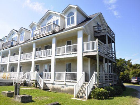 CR42: Sophie's Island Villa on Lighthouse Road - Villa 12 - Image 1 - Ocracoke - rentals