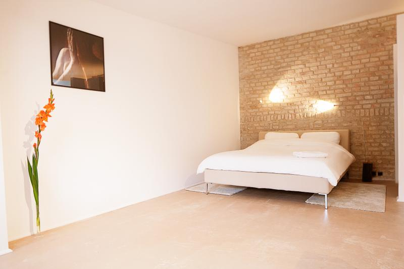 Nature in the center of Berlin-Apartment Alfa - Image 1 - Berlin - rentals