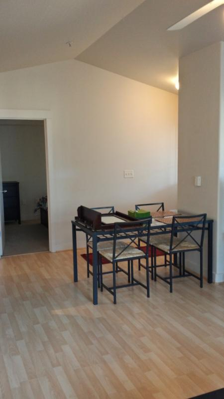 Dinning area - Great place to stay! - Portland - rentals