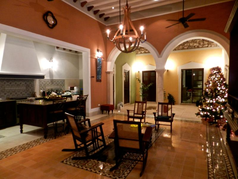 Main Living with Kitchen - Casa Castellanos renovated in 2013 Colonial Jewel - Merida - rentals