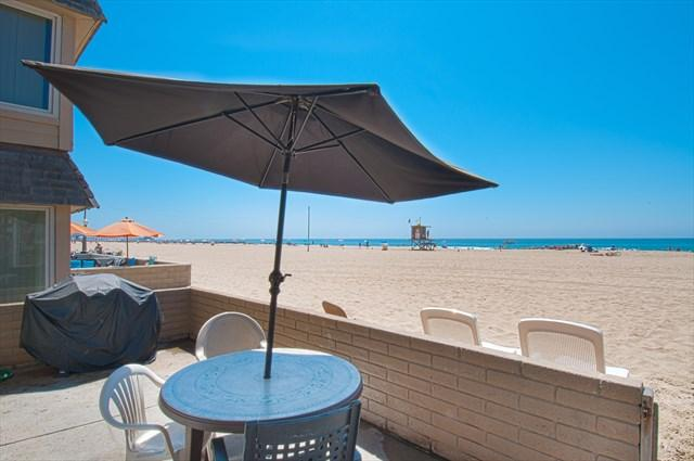 Patio & view to the beach - 3607 A Seashore Drive- Lower 2 Bedrooms 2 Baths - Newport Beach - rentals