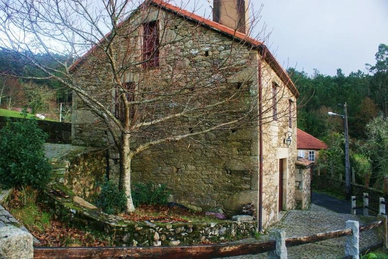 Mourelos House - Image 1 - Outes - rentals