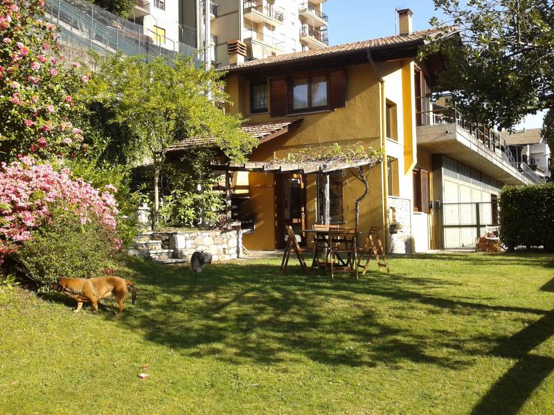 Detached cottage overlooking the lake orta - Image 1 - Nuxis - rentals
