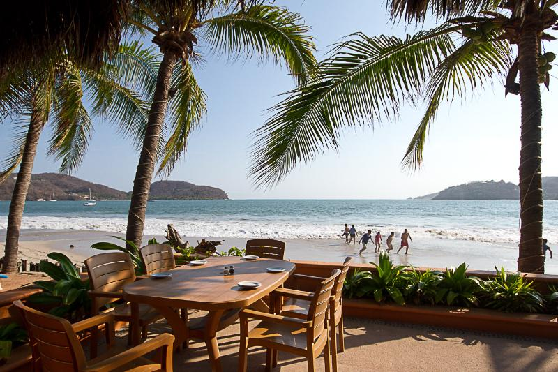 Playa La Ropa - Zihuatanejo Mexico Condo - Just Steps to the Beach - Zihuatanejo - rentals