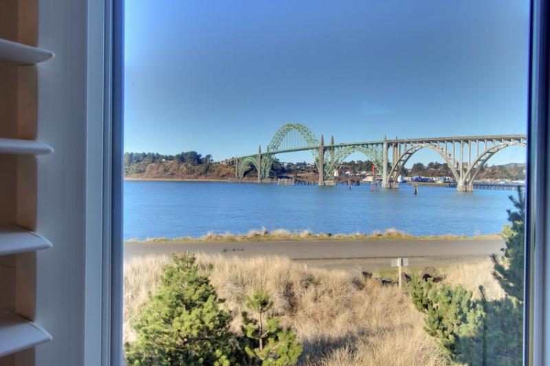 House on the Bay - Image 1 - Newport - rentals