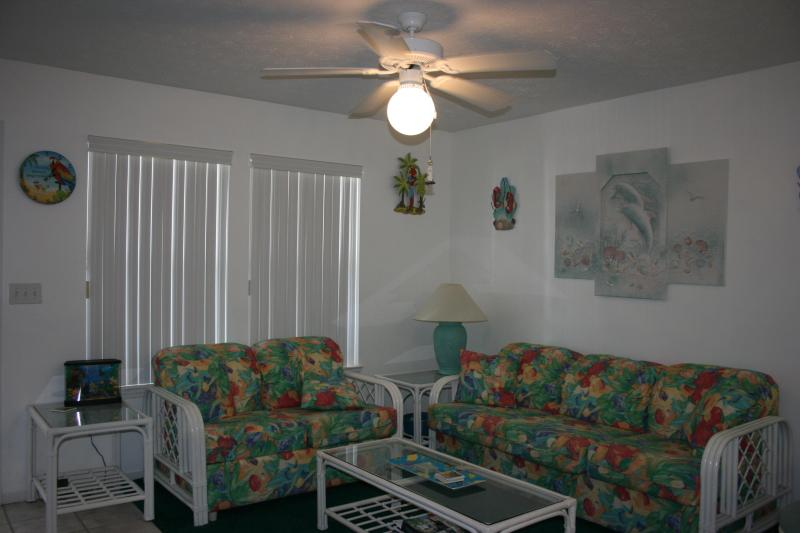 Living Room - Looking for a great spring and summer rental? - Panama City Beach - rentals