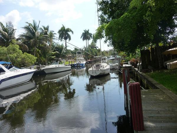 canal , sit at dock to see the  sunrrise drinking cofee - Waterfront House With a Breezy Back Yard ! - Fort Lauderdale - rentals