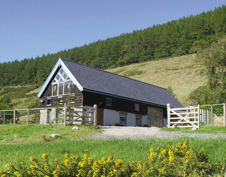Cwm Broadwell Barn from the front - 5* Barn in private valley with hot tub sleeps 10 - New Radnor - rentals