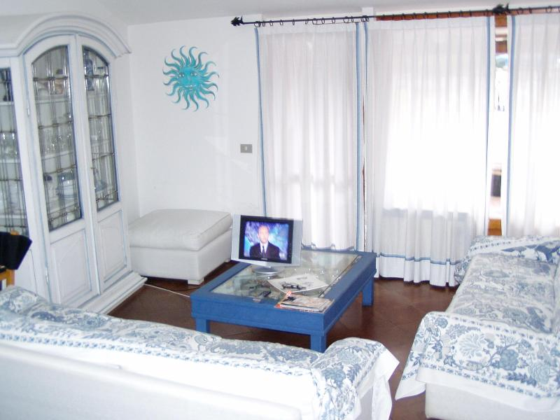 Apt. 6 pax with Terrace in Porto Cervo - Image 1 - Nuxis - rentals