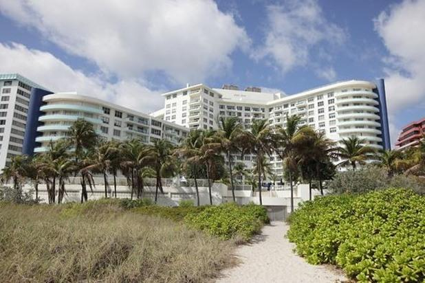 view of the resort from the beach - Master 2 Bedroom, Bldg located right on the Ocean^ - Miami Beach - rentals