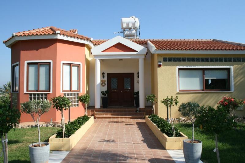 Villa Nikolas - Image 1 - Paphos - rentals