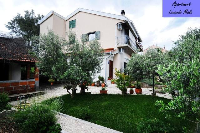 Sibenik - apartment in a quiet suburb - Image 1 - Sibenik - rentals