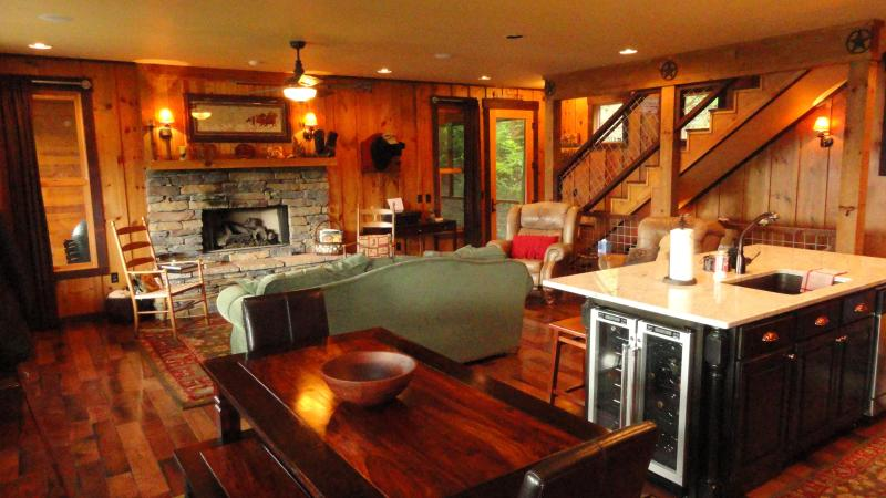 Relax for a while - 3 Bear Lodge - What a view! - Lake Nantahala - rentals