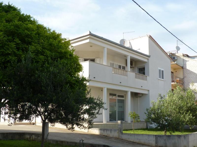 Studio apartment in Trogir - Image 1 - Trogir - rentals