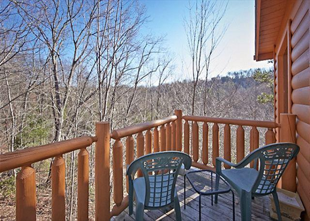 A quiet and secluded luxury cabin just 10 minutes from all the fun! - Image 1 - Sevierville - rentals