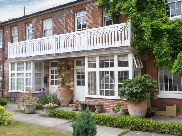 6 LITTLE BETHEL COURT, character maisonette, balcony, garden, parking, in Norwich, Ref. 28036 - Image 1 - Norwich - rentals