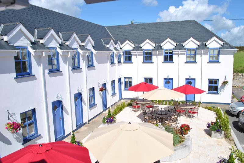 Exterior - The Wooden House, Kilmore Quay - Beautiful 1 Bedroom Apartment, Great Location - Kilmore Quay - rentals