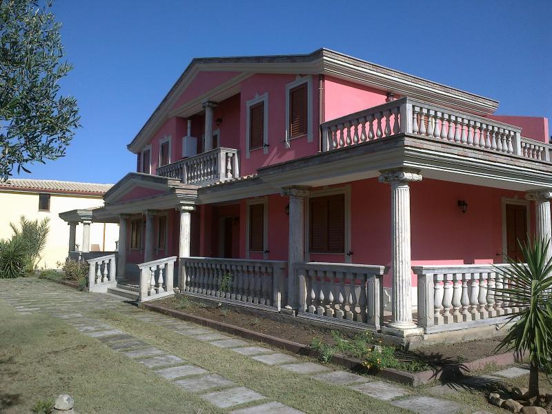 Villa a 5 minuti dal mare di Costa Rey - Image 1 - Nuxis - rentals