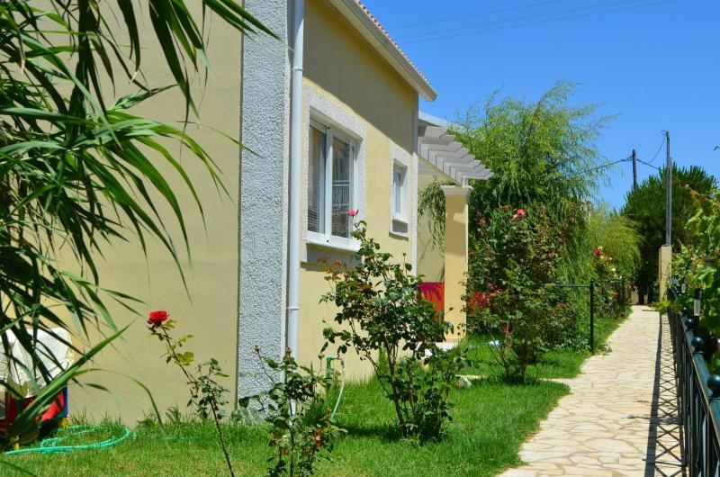 exterior of Flower Villas - FLOWER VILLA 3 - 1 BEDROOM, 250M FROM THE BEACH - Argyrades - rentals