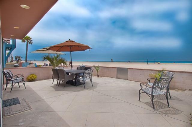 Patio & View - 6602 A West Oceanfront- Lower 2 Bedrooms 2 Baths - Newport Beach - rentals