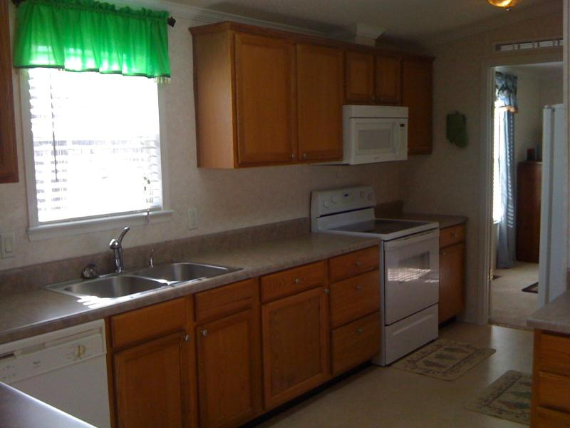 Kitchen - Tumbling Shoal's Retreat - Tumbling Shoals - rentals