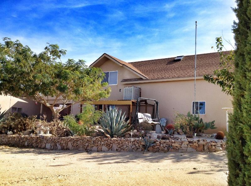The Cactus Patch  Unlimited Sunsets in Joshua Tree - The Cactus Patch: Your home away from home - Joshua Tree - rentals