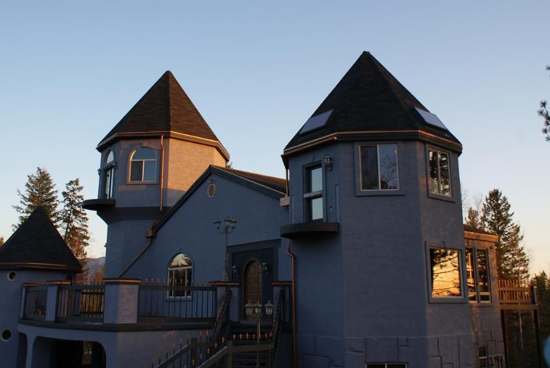 Castle Afternoon - Enjoy the Adventure of Staying in a Real Castle - Columbia Falls - rentals