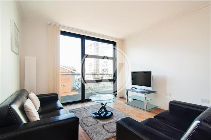 Living room - Discover Dock west One Bedroom Apartment - London - rentals