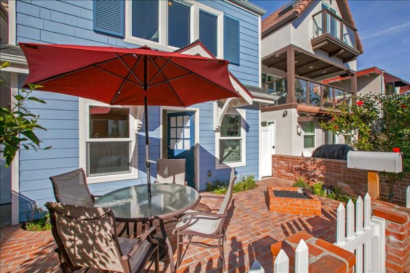 #742 - Brand New Luxurious Cape Cod Style Home - Image 1 - Mission Beach - rentals