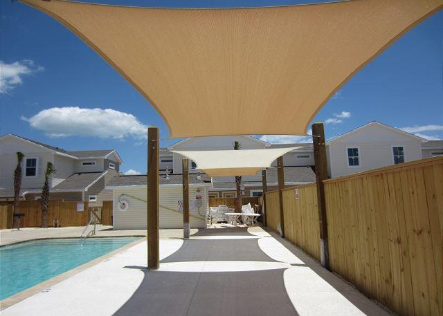 """Shade area by pool - Enter """"LAST MIN"""" on  to get 20% off the nightly rental rate - Corpus Christi - rentals"""