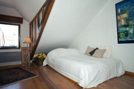 Studio Apartment Two Steps Away from Montmartre - Image 1 - Paris - rentals