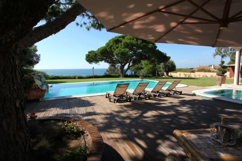 6 BEDROOMS VILLA FOR 12 PEOPLE IN ALBUFEIRA. 3 MIN. FROM BICOS BEACH AND OURA BEACH. REF. 133136 - Image 1 - Albufeira - rentals