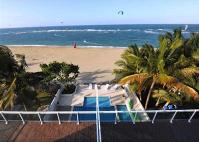 WM1 - Oceanfront Rental - Any closer to the Ocean, you would be a fish - Image 1 - Cabarete - rentals