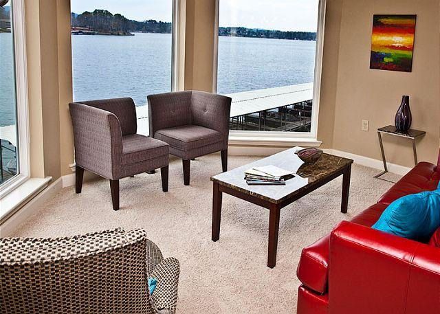 "Great Room Sitting Area - ""MAIN CHANNEL BREEZE"" ...incredible lake views!! - Hot Springs - rentals"