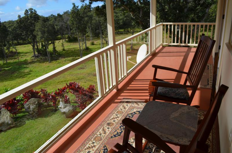 Enjoy a cup of Ka`u coffee overlooking the horse pasture - Waiola Guesthouse & Zen Garden - Naalehu - rentals