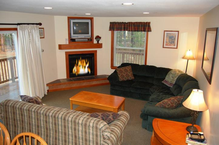 Main Level Sitting Room with Gas Log Fireplace - Bear Brook House, Multi Family & Group Vacations - Glen - rentals