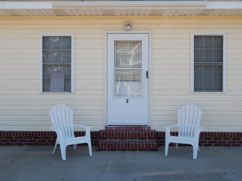 Outside View - Cherry Grove Beach Bungalow- 100 yards to Ocean - North Myrtle Beach - rentals