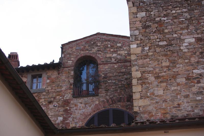 Exterior house - Beautiful Chianti Penthouse in Tuscany - San Donato in Poggio - rentals