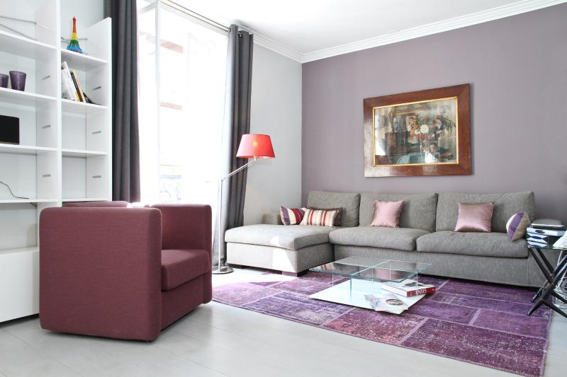 Living Room - 26. LUXURIOUS FLAT - DIRECT VIEW OF EIFFEL TOWER - Paris - rentals