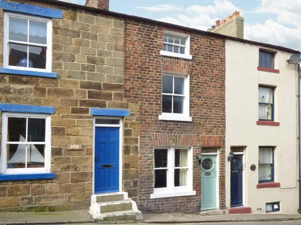 CLEVELYN, pet-friendly, woodburner, close to the coast, beautiful accommodation in Staithes, Ref. 903593 - Image 1 - Staithes - rentals