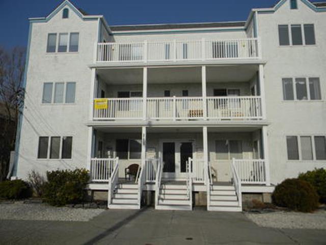 Our unit is top floor left. - Modern 3d Floor Condo 8 Houses from the Atlantic! - Ocean City - rentals
