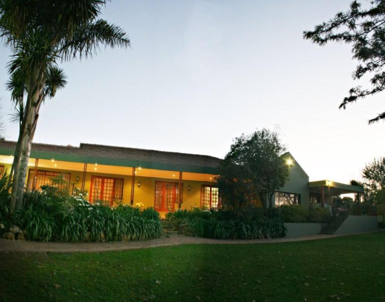 At dusk - Blackheath Manor Guest House - Johannesburg - rentals