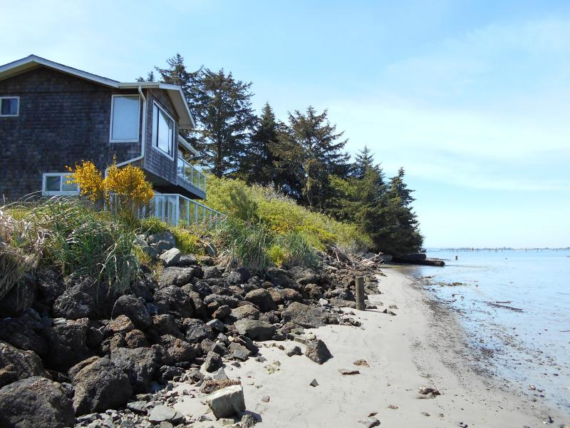 RIGHT ON THE BEACH!!!! - Waterfront Condo Lower - Coos Bay - rentals