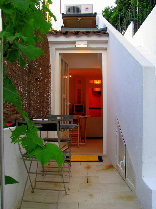 Terrace and the enrance area - Quiet Studio for Two - Dubrovnik - rentals