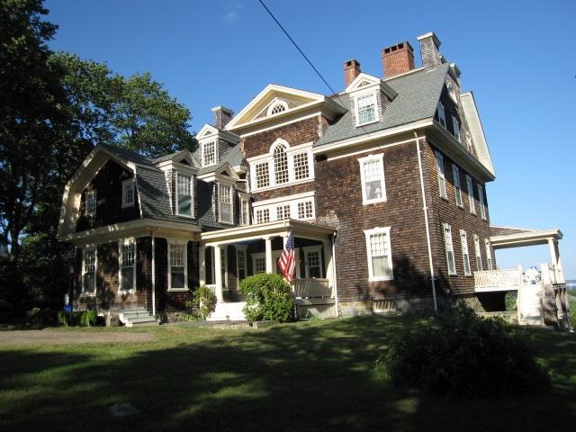 Shingle style house - Wonderful Jamestown home with sweeping ocean views - Jamestown - rentals